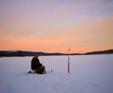 rybaření na sněhu